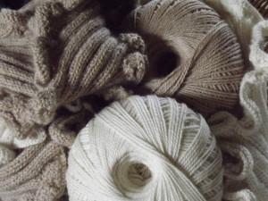 White & Fawn DK alpaca yarn